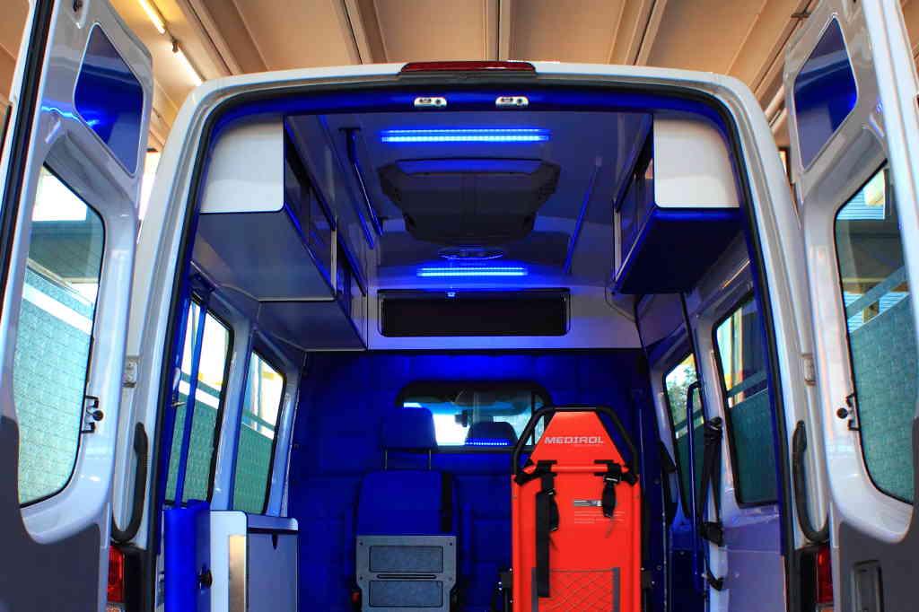 E&R Fahrzeugtechnik in Tirol, Nachrüstung Beleuchtung und LED-Beleuchtung, Einbau Lademöglichkeit und Steckdose Nachrüstung in Transportern und Wohnmobilen in Tirol