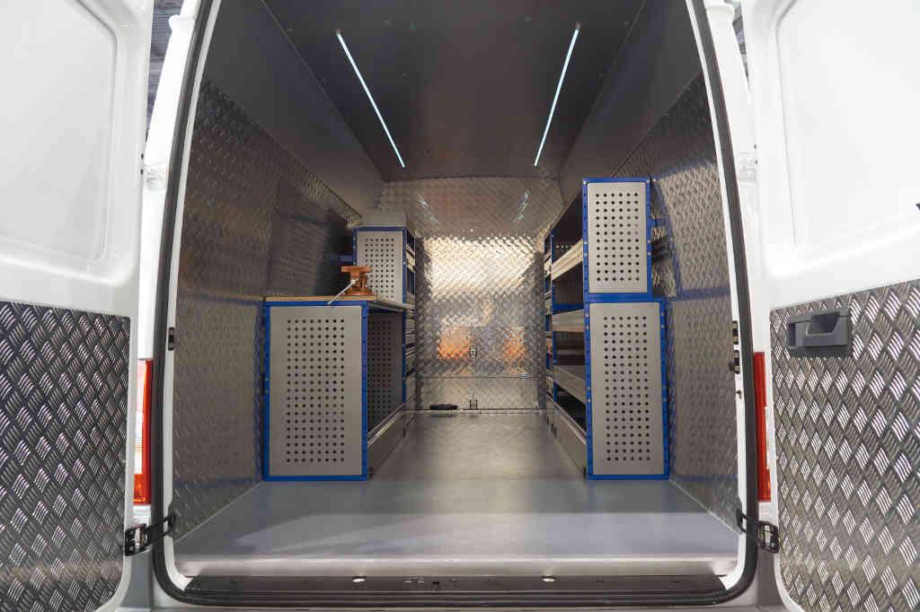 E&B Fahrzeugtechnik Transporter Wohnmobil Nachrüstung Innenverkleidung vom Profi aus Tirol