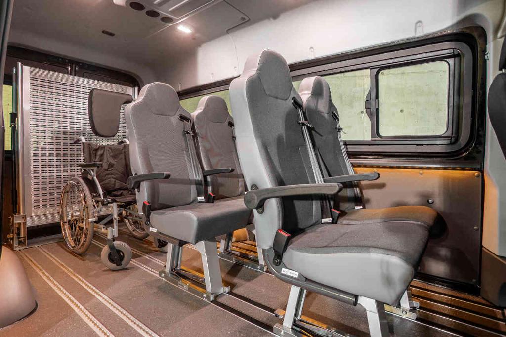 E&B Fahrzeugtechnik Umbau Transporter Nachrüstung Sitzsysteme in Tirol