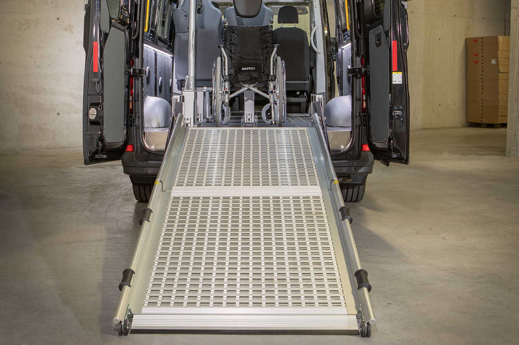E&R Fahrzeugtechnik Nachrüstung Rampen Laderampen und Rollstuhlrampen in Tirol vom Profi